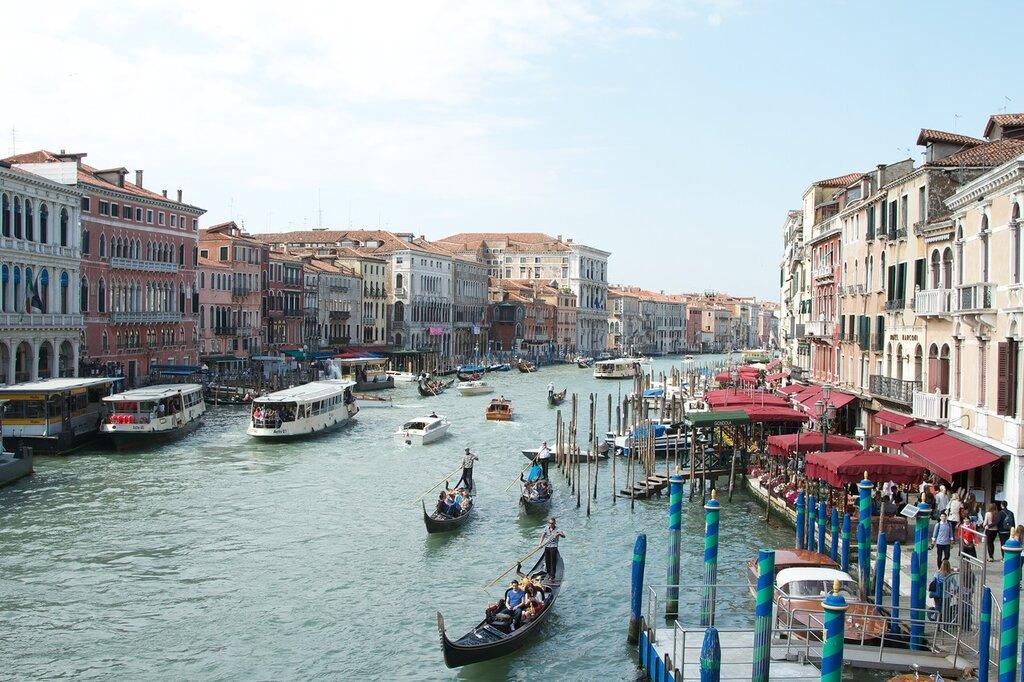Неповторимая. Одиозная. Разная... Венеция