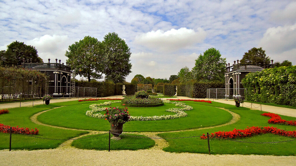 В парке Дворца Шёнбрун