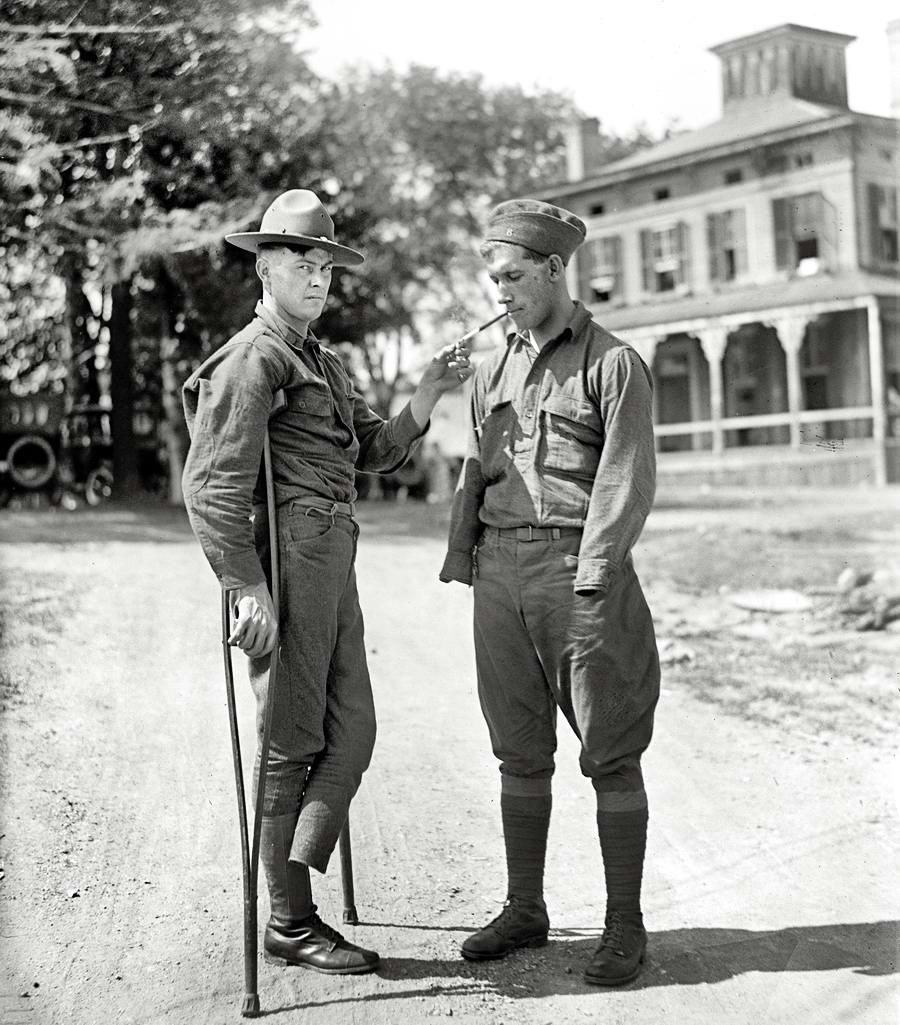 Возвращение с фронта: солдаты-инвалиды (1918 год)
