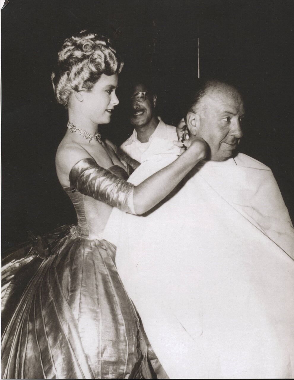 Grace Kelly and Alfred Hitchcock on the set of To Catch a thief  (Alfred Hitchcock), Cannes, 1954.