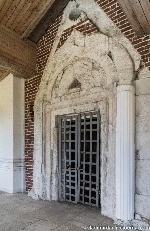 Портал северных врат Храма Вознесения в Коломенском