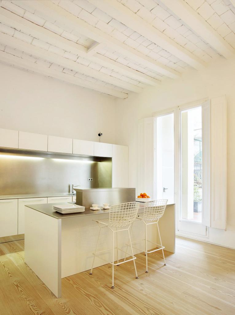 proyecto-interiorismo-vivienda-restauracion-claustro-gotico-gaudi-barcelona-12.jpg