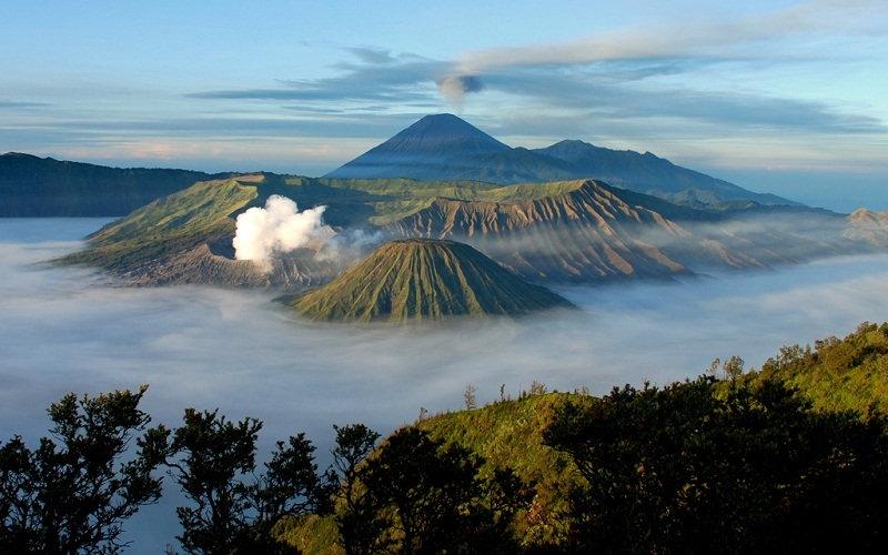 Озеро Тоба  На индонезийском острове Суматра находится крупнейшее на Земле вулканическое озе
