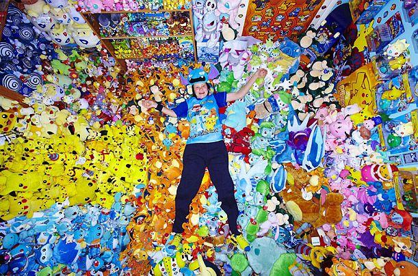 Рон Худ коллекционирует леденцы. На данный момент его коллекция составляет 3000 штук. Но он говорит,
