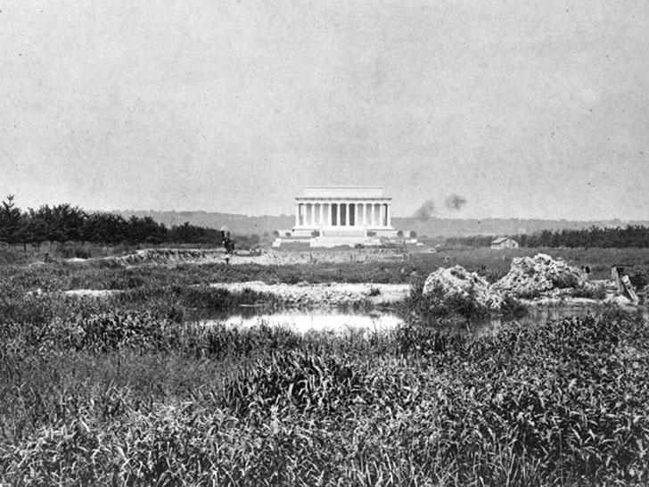 Мемориал Линкольна в 1917 году. Тогда никто не мог представить, что в 2000-х годах каждый год шесть