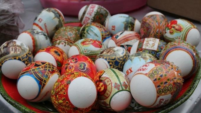 Путин получил отпатриарха ювелирные пасхальные яйца ипоздравил христиан сПасхой