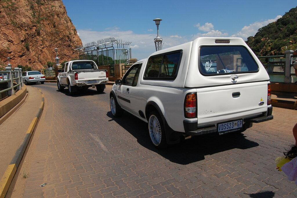 Ford Bantam pick-up white kung.JPG