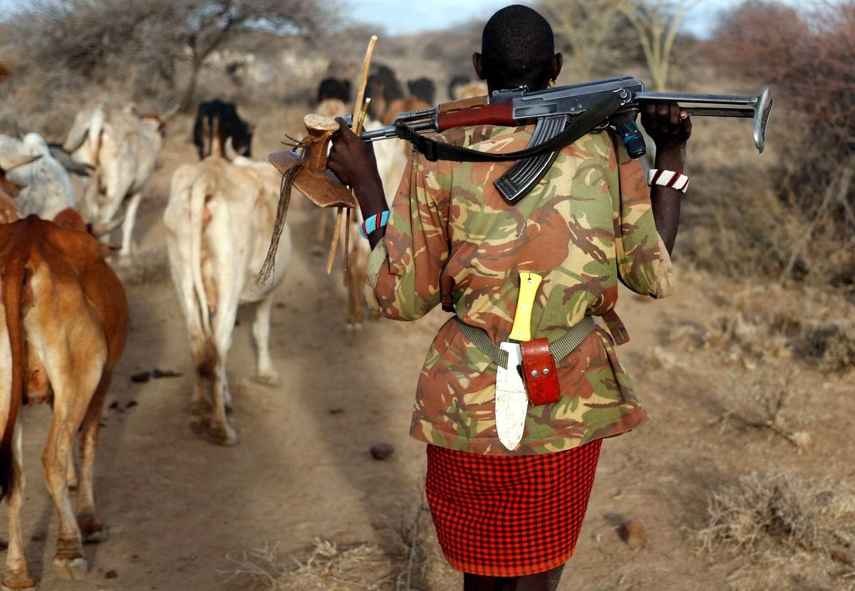 Король и бог коровьего царства: Кенийский пастух с автоматом