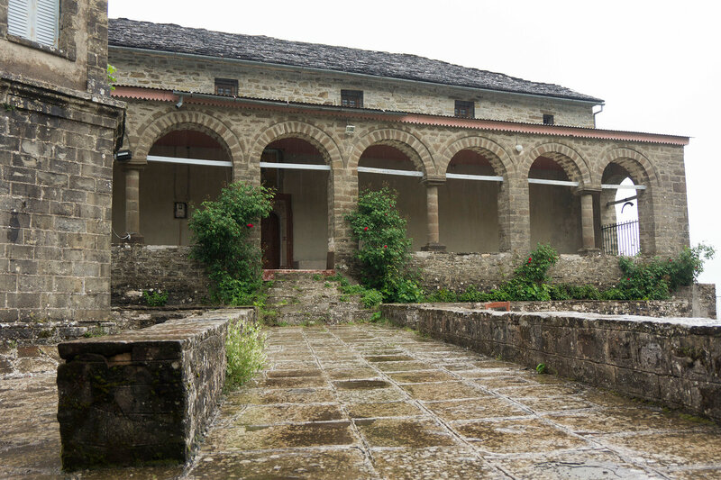 Церковь в деревне Дикорифо (Dikorifo), Загория, Греция