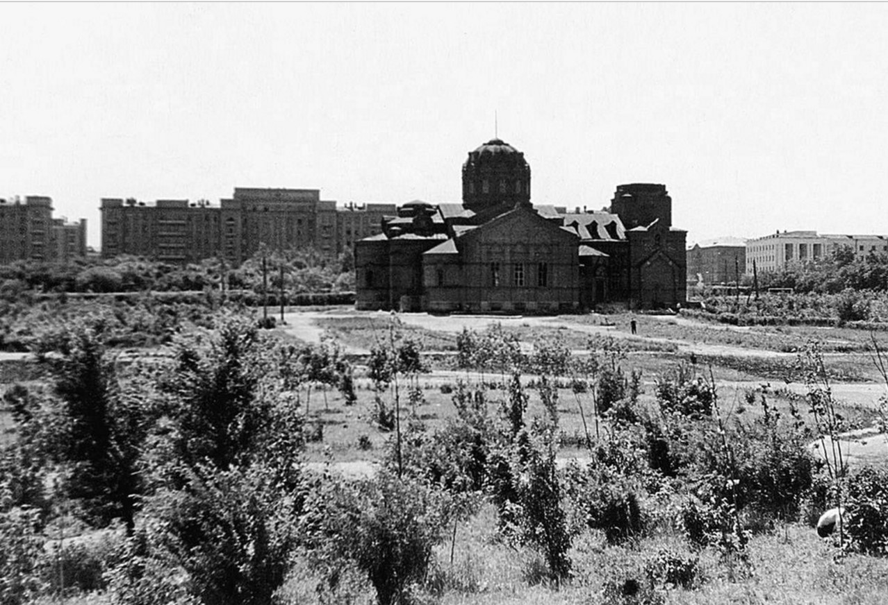 Челябинск. Алое поле. Здание церкви Александра Невского. 1935
