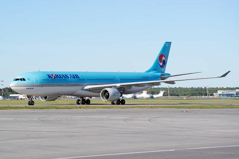 Airbus A330-323 (HL8002) Korean Air D800811