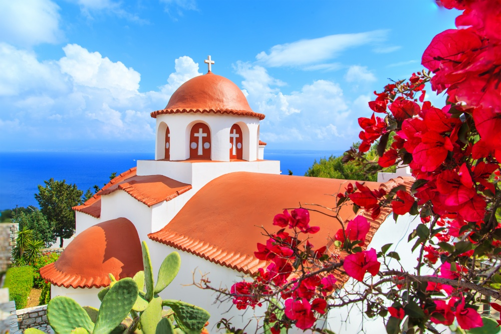Вся Греция— это яркие краски, которые нафоне лазурного неба смотрятся особенно празднично.