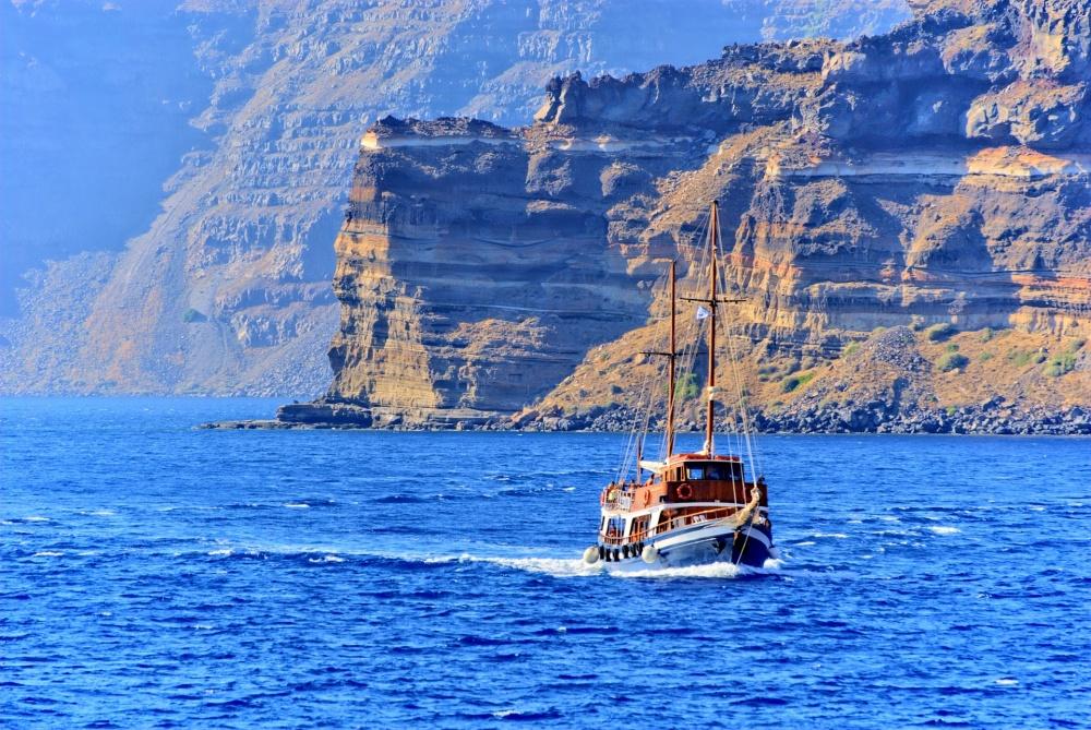 Здесь предлагают водные путешествия налюбой вкус икошелек— отпоездки намаленькой рыбацкой лодке