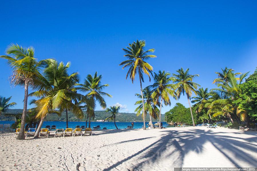 18. Отрадно, что пляж не переполнен, как в отеле или на Саоне, так что здесь вполне можно найти