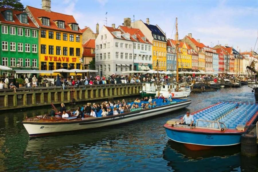 13. Копенгаген, Дания. Гамбургер с картофелем фри и напитком — 20,3$, чашка кофе — 4,92$, бокал вина
