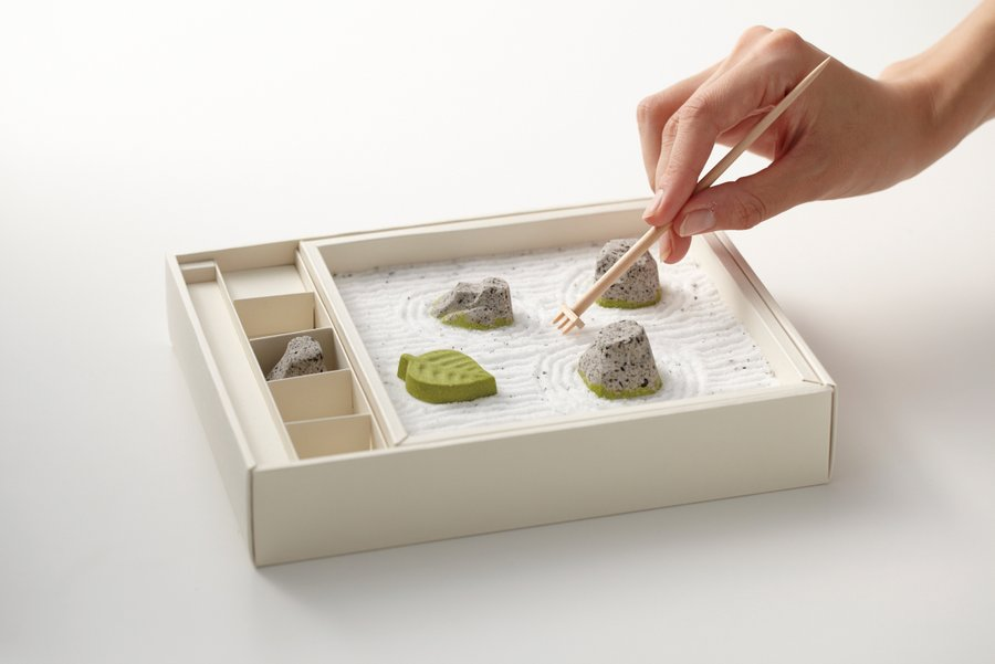 An Edible Zen Rock Garden Made From Japanese Sweets (4 pics)