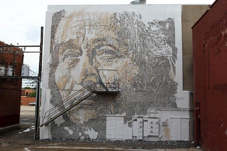 Unexpected - Vhils, D*Face, Roa and the others reunited for a street art festival
