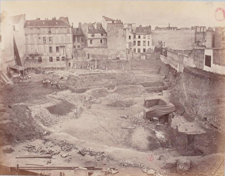 Вид строительной площадке 5 июля. Разрушение амфитеатра, чтобы освободить место под строительство