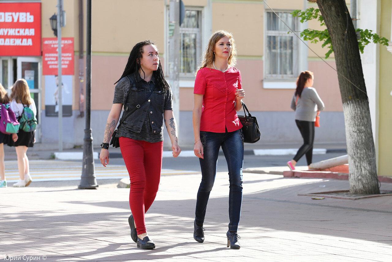 Как снимают девушек на улице в россии фото 725-297