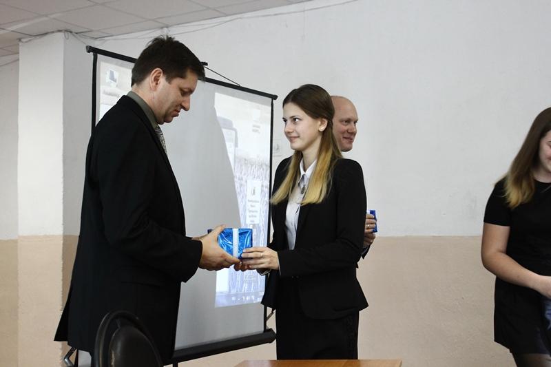 Российские космонавты Олег Артемьев и Андрей Бабкин рассказали старицким школьникам, как попасть в космос