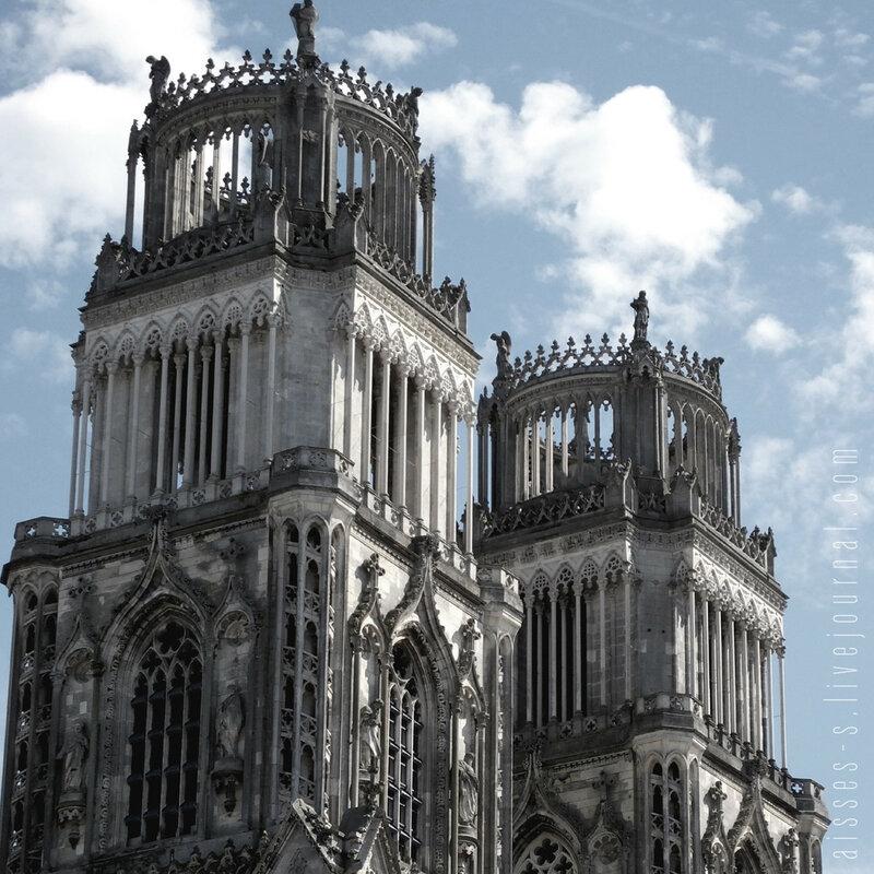 Кафедральный собор святого Креста в Орлеане