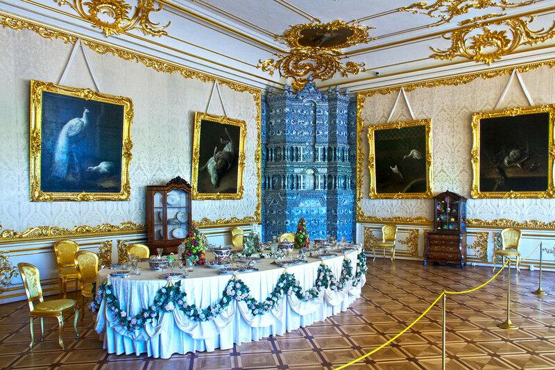 печь в интерьере Екатерининского дворца в Царском Селе