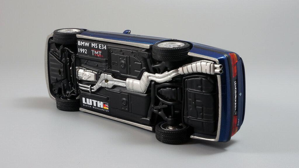 BMW_M5_E34_10.jpg