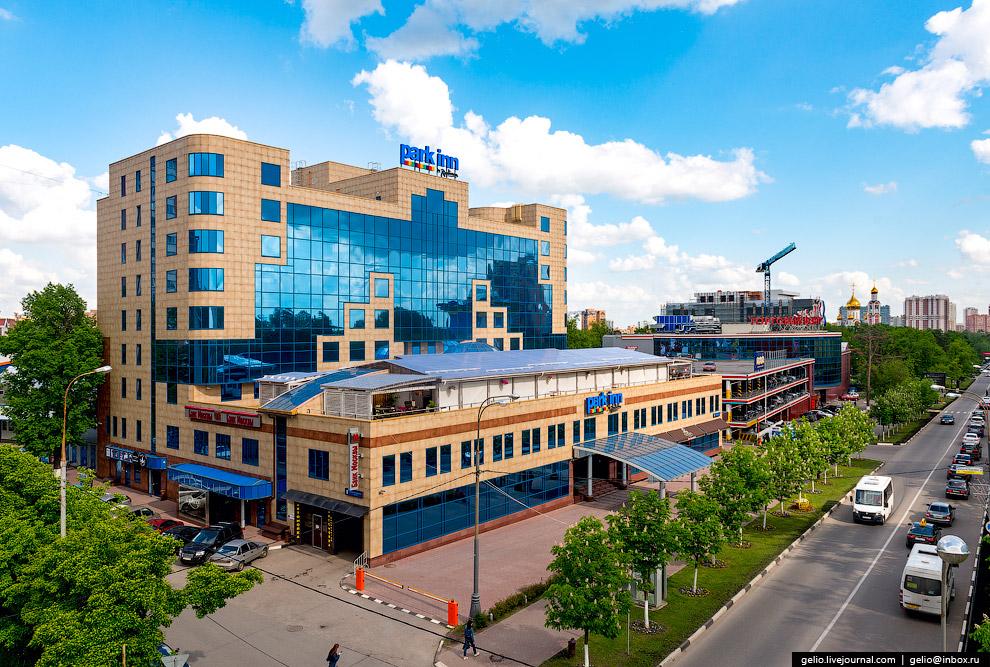 19. Здание железнодорожного вокзала станции Одинцово построено в 1900 году. Своей формой напоми