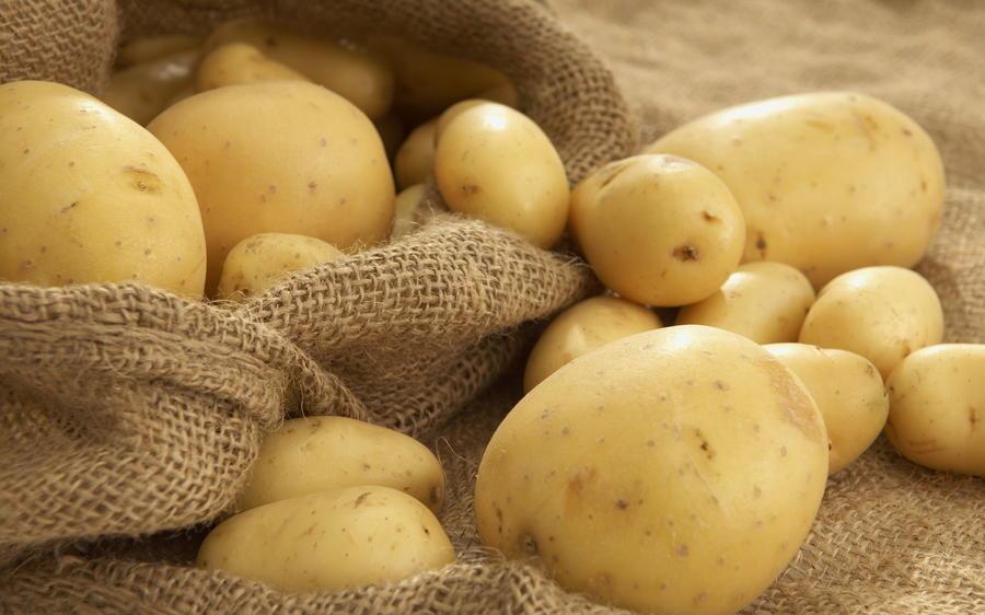 9. Решили положить картофель в холодильник? Будьте готовы к тому, что в скором времени он станет сла