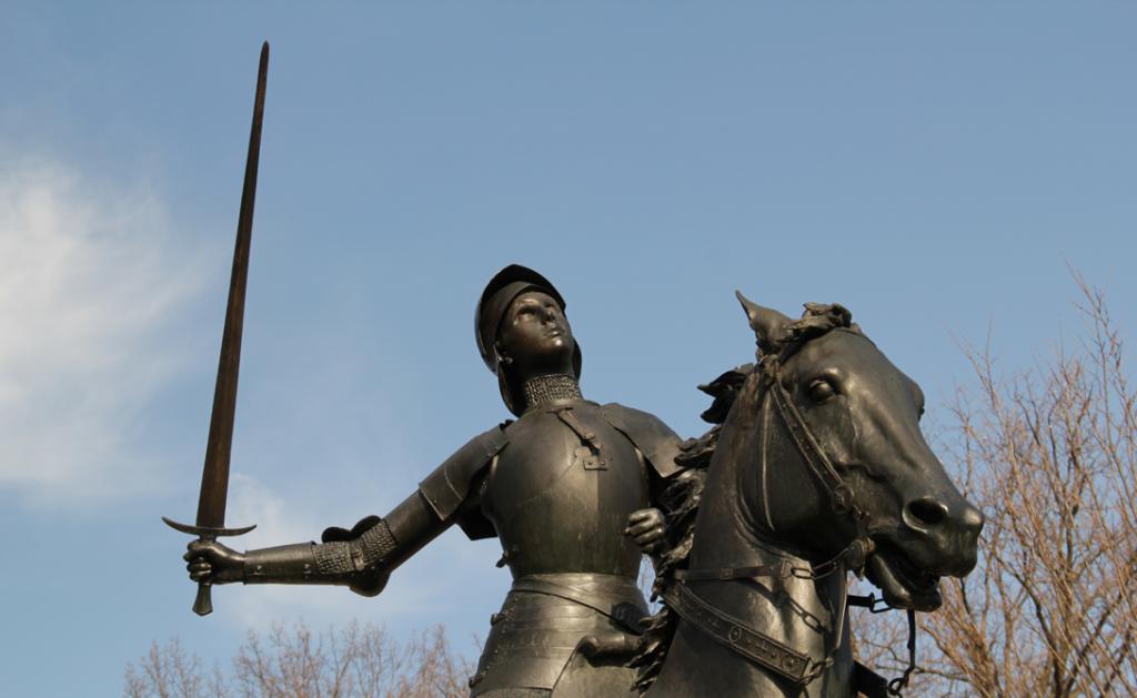 У французской воительницы было много видений, которыми она руководствовалась в своих действиях. Как-