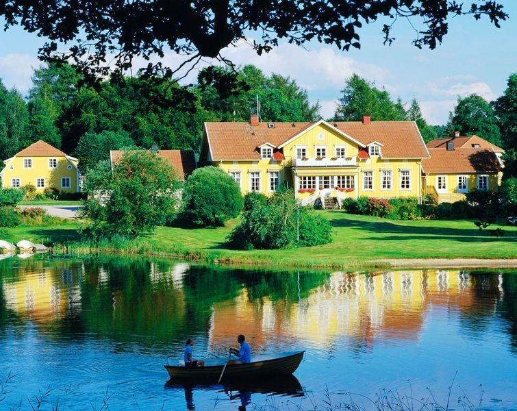 9. Toftaholm Herrgard: жесткая романтика Идиллическая усадьба-отель Toftaholm Herrgard на берегу шве