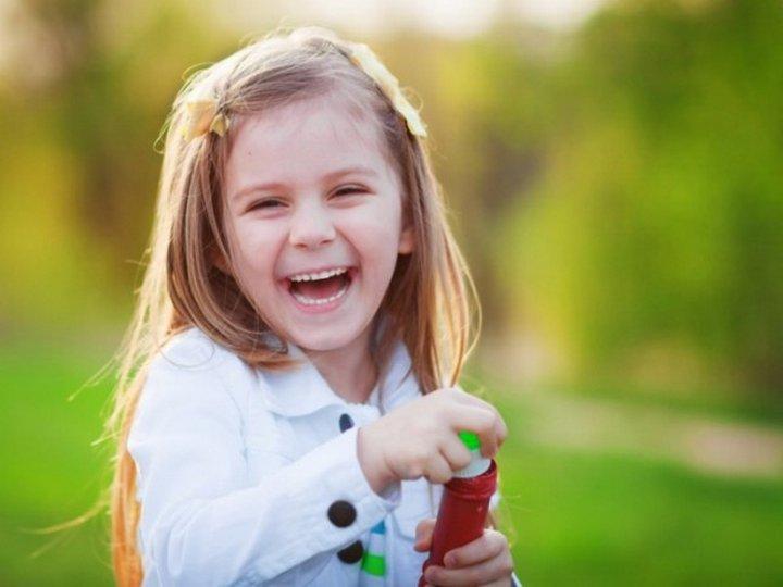 5. Моя 5-летняя дочь пару дней назад почему-то решила раздеться в магазине до трусов, причем случило