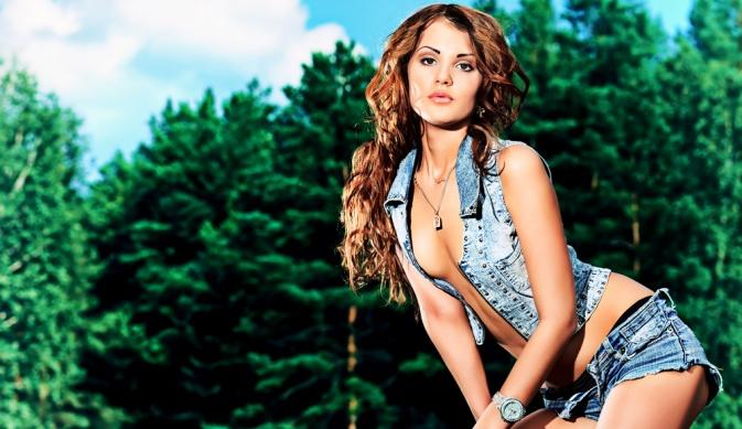 В каком весе женщина наиболее привлекательна? (2 фото)