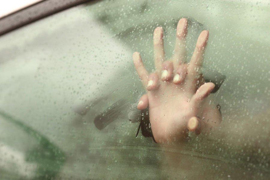 Ученые: женщины считают секс вавтомобиле неромантичным