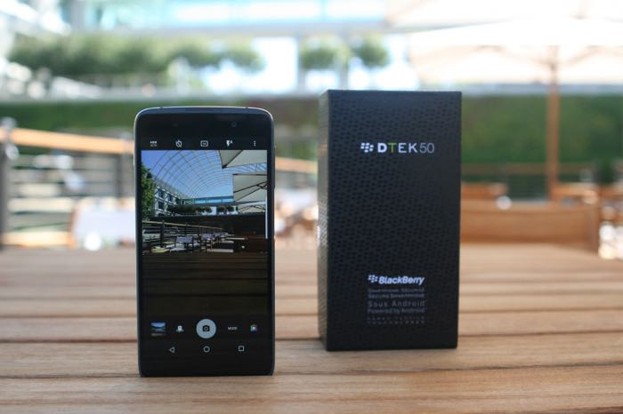 TCL будет производителем телефонов BlackBerry