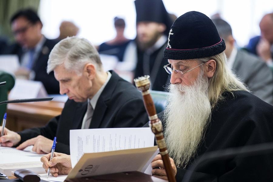 20160426_12-55-Старообрядческая церковь призывает запретить празднование 100-летия Октября