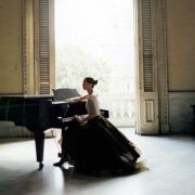 Девушка пианино