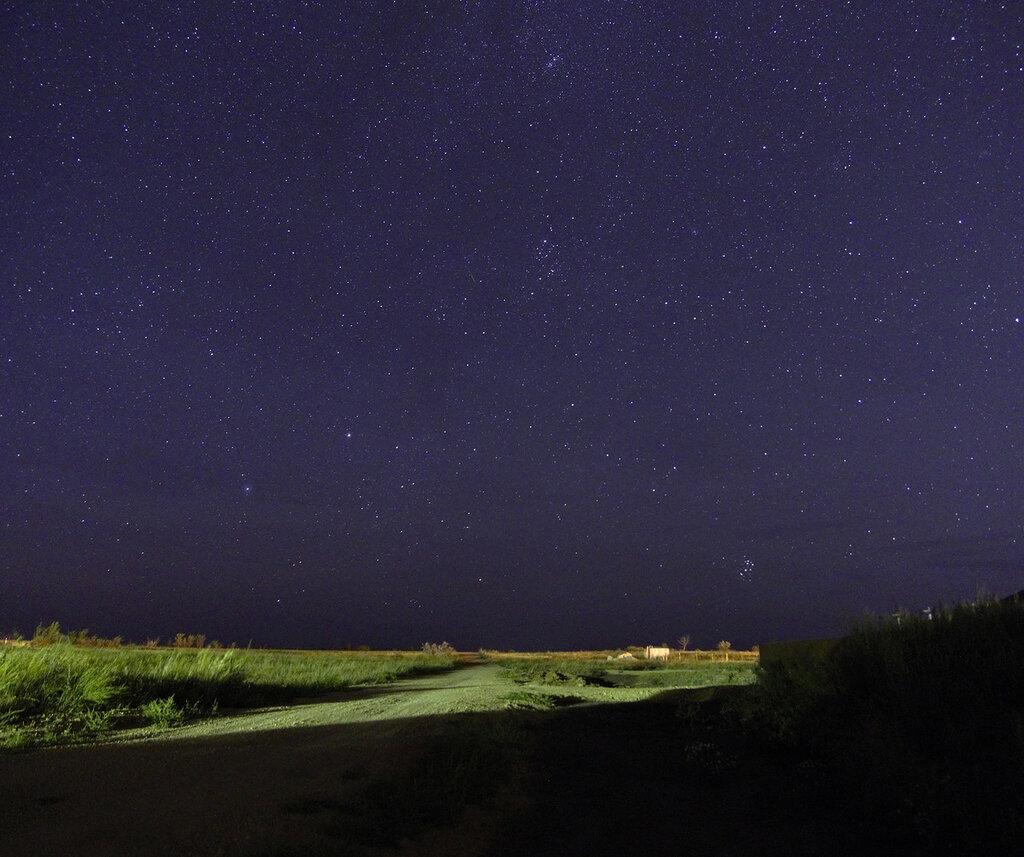 Млечный путь в степи, город Ясный, вид на север