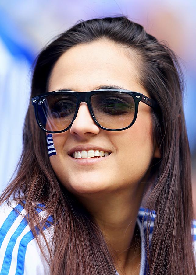 Евро-2012, как болеют девушки!