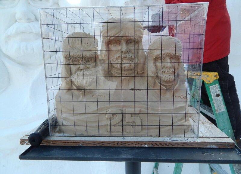 Снежная скульптура.