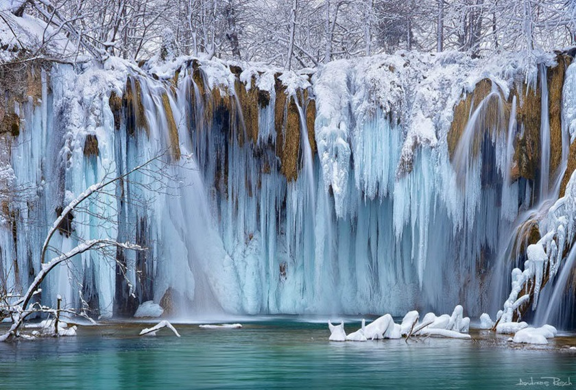 Удивительные замерзшие водопады по всему миру 0 141bb6 d582a1e5 orig