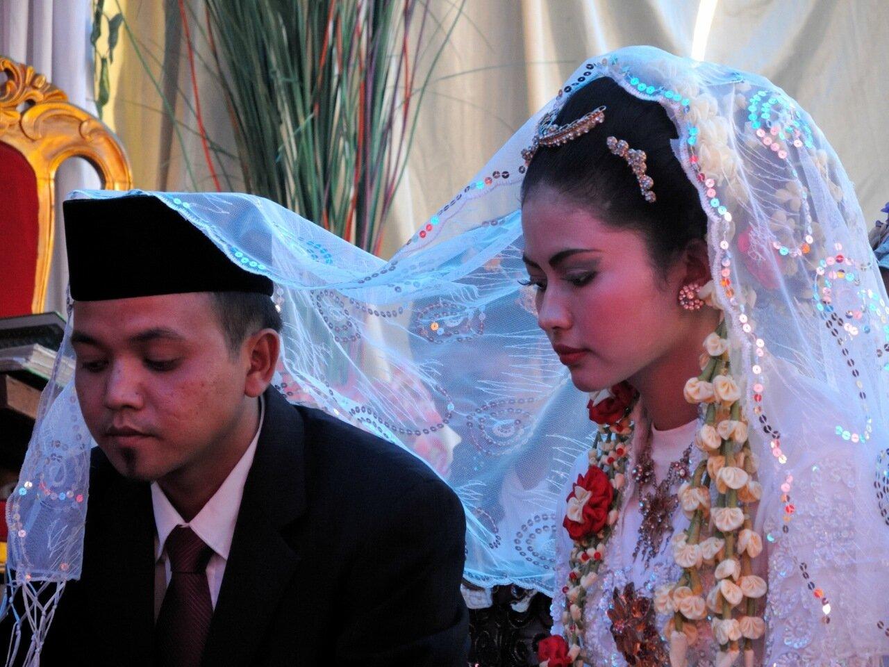 молодожены в индонезии
