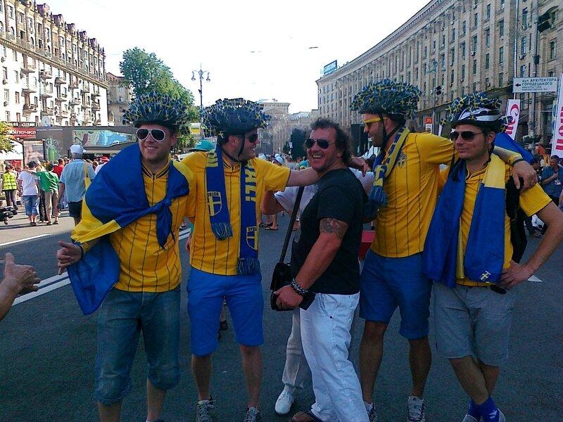 Футбольные фаны Швеции