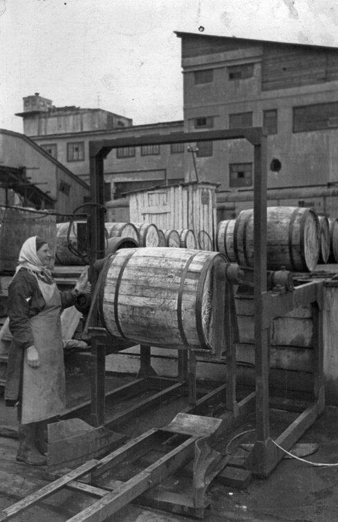 1960-е. Архивы Рыбного порта. Закатка