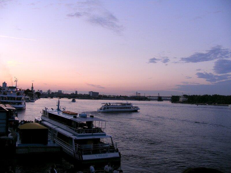 На какой реке стоит киев