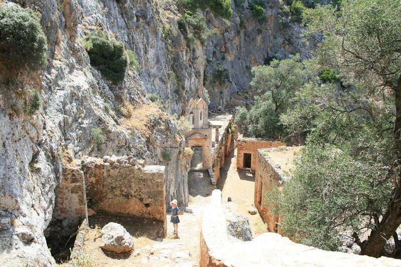 Крит, Акротири, заброшенный монастырь