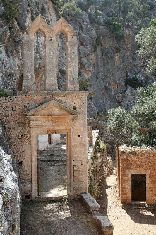Заброшенный монастырь (И.Отшельника)