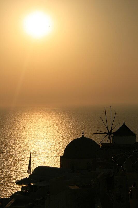Закат на Санторини в Ойе