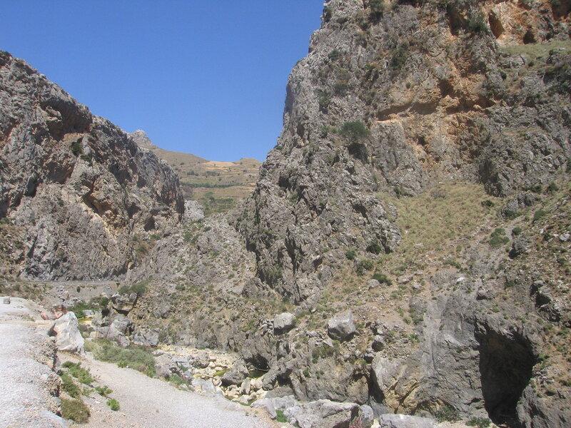 Крит, Ущелье Курталиотику