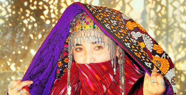 0 1293fb d7a7f91 orig Свадебные наряды невесты в разных странах (головной убор)